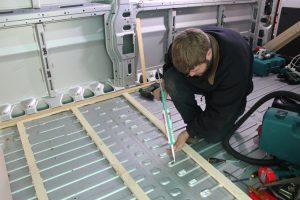 Citroen Relay, Fiat Ducato, Peugeot Boxer Self Build Motorhome: Isolating floor battens